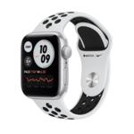Apple Watch SE, Nike, 40MM, Корпус из алюминия серебристого цвета, Спортивный ремешок Nike цвета «Чистая платина/чёрный»